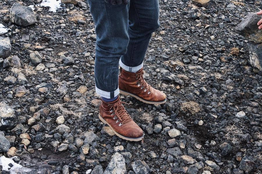 fashionable hiking boots mens